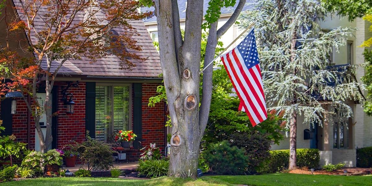 advantages-of-big-trees-brick-house-american-flag