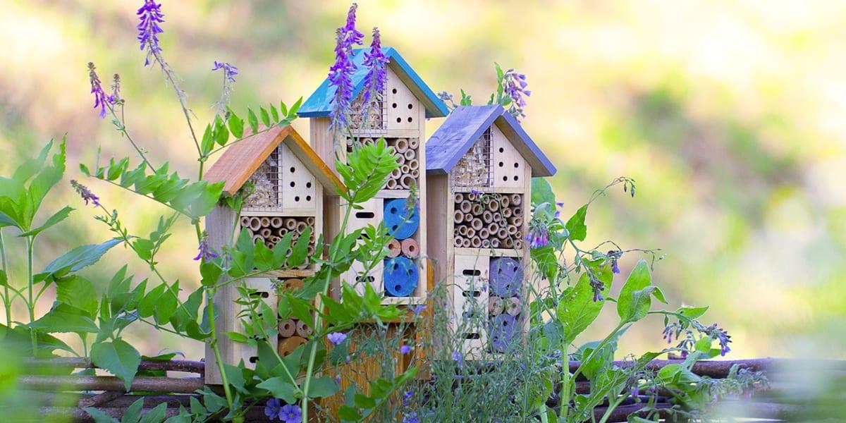 gardening-crafts-ladybug-hotel