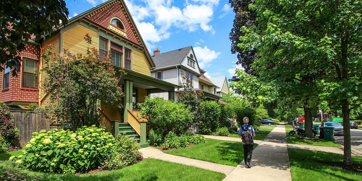 landscaping-checklist-old-quaint-chicago-suburb