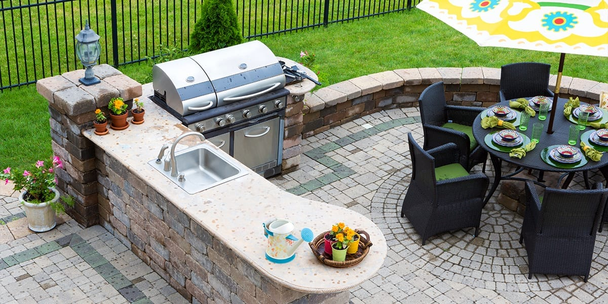 live-outside-outdoor-room-kitchen