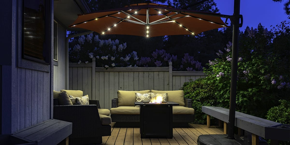 live-outside-outdoor-room-patio-room-at-night