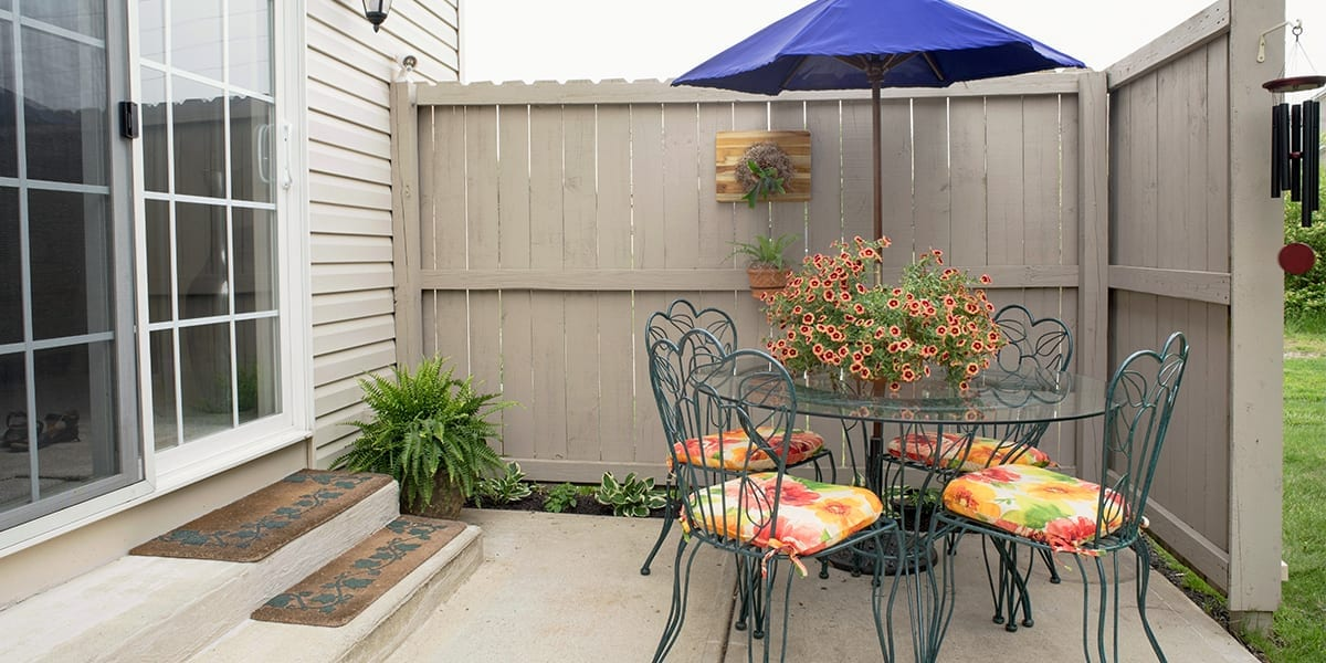 live-outside-outdoor-room-walled-private-patio