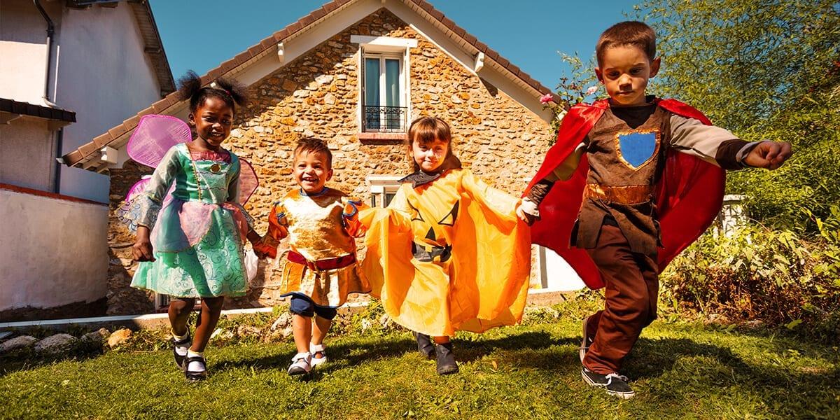 platt-hill-outdoor-activities-halloween-home-kids-in-costume-backyard