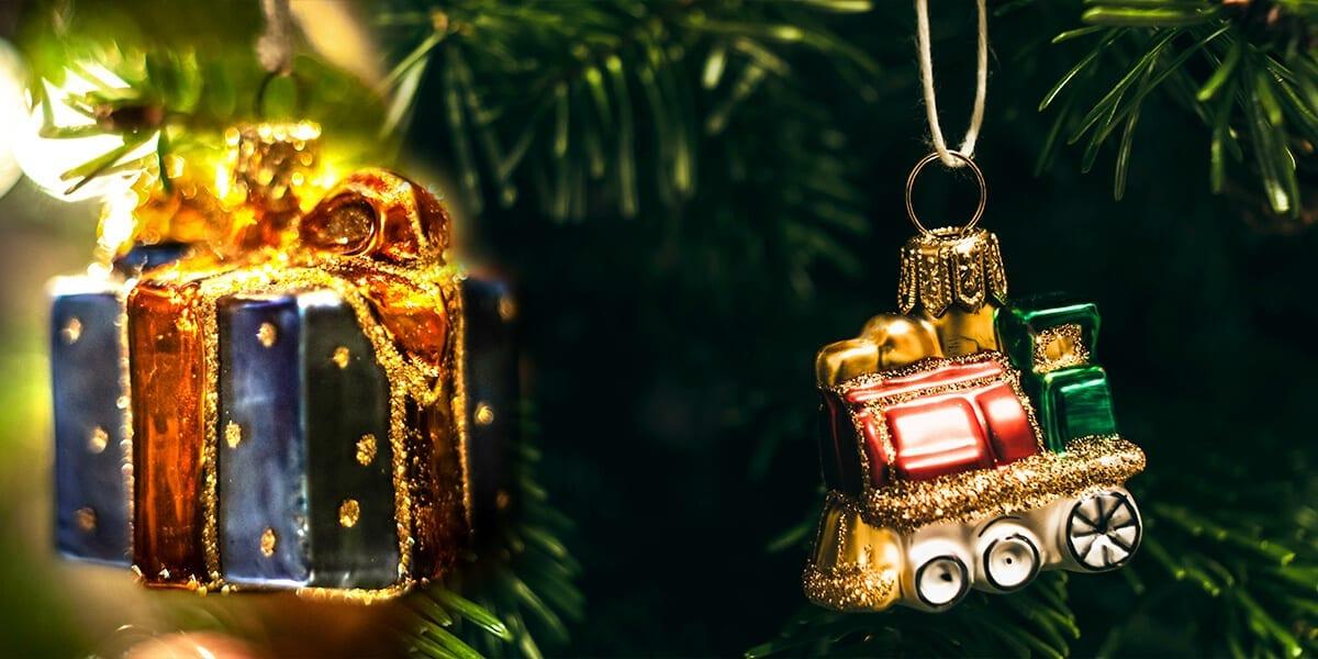 platt-hill-holiday-decor-trends-antique-glass-ornaments