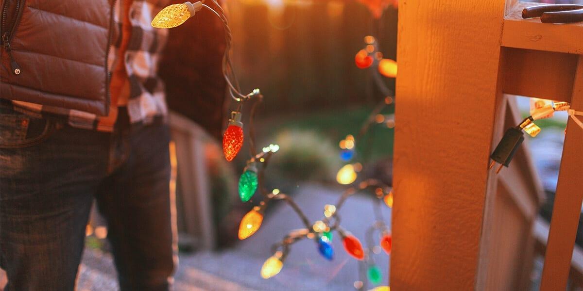 platt-hill-holiday-lighting-guide-2020-hanging-lights