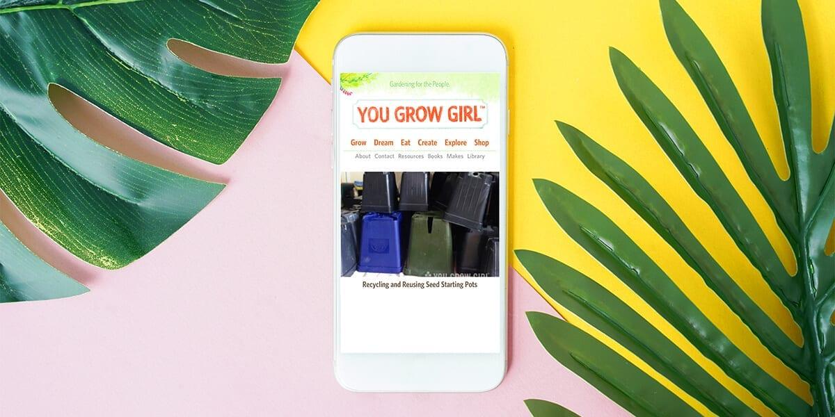 platt-hill-2021-garden-bloggers-influencers-you-grow-girl-phone-leaves